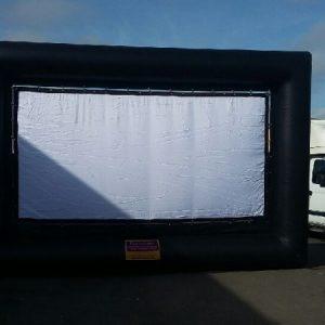 Ecran vidéo gonflable 8m x 6m