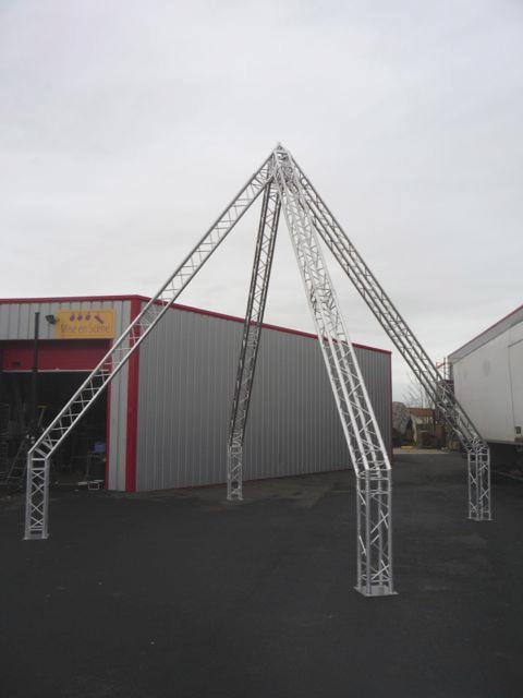 Pyramide alu carré